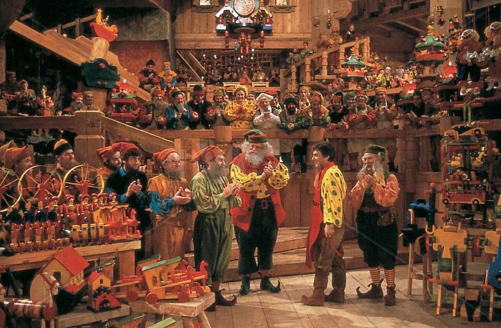 see santa clauss workshop - 946×618