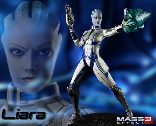 Liara Statue